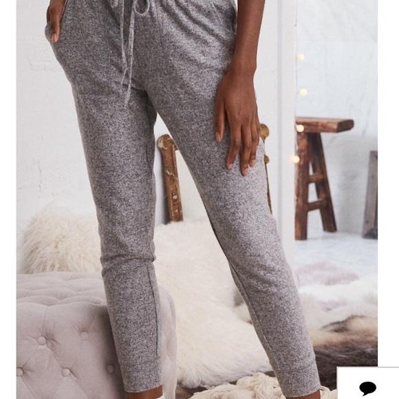 Aerie Pants Size Medium Joggers Poshmark